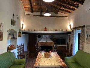 casa rural azuaga viña del duco salón con chimenea